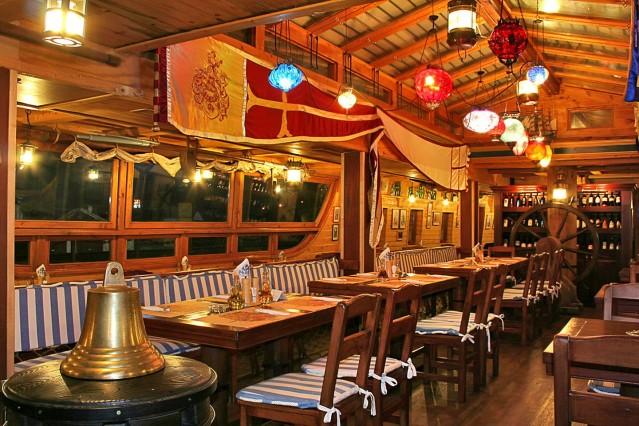 Интериорна фотография на ресторант Мистър Баба
