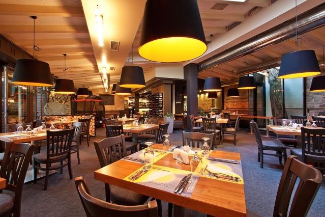 Интериорна фотография на ресторант Ниагара ул. Цар Симеон