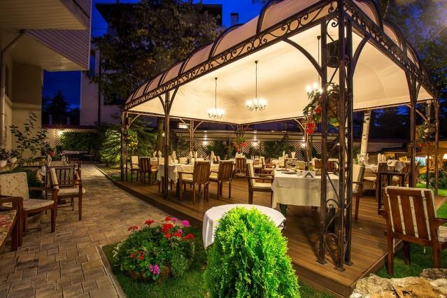 Интериорна фотография на ресторант Проя Драгалевци